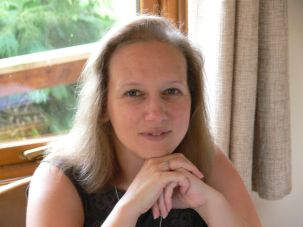 Photo of Author Suzanne Rogerson.
