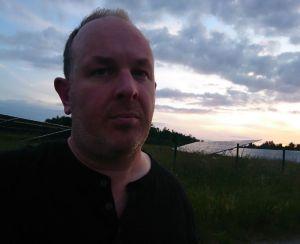 Photo of Writer Simon Farnell