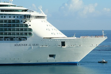 Large cruise ship photo from Pixabay