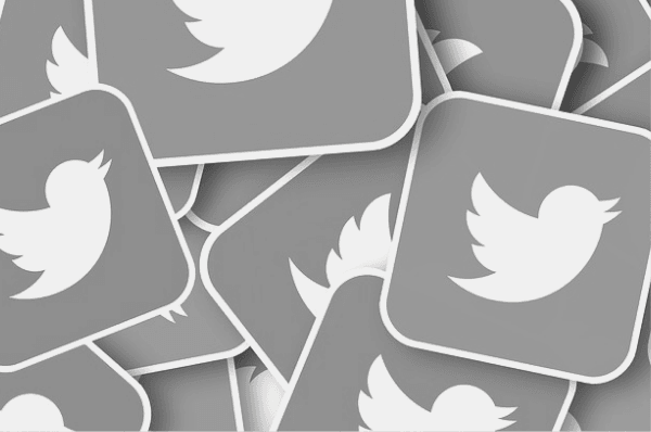 Featured Images - Twitter icons. Image from Pixabay