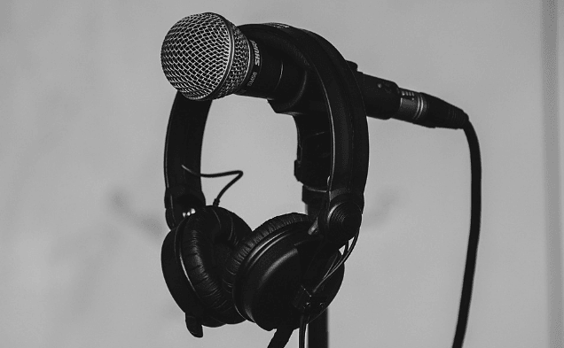 Featured Images - Microphone and headphones